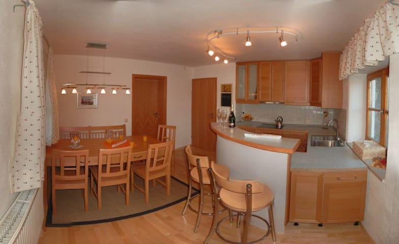 Moderne Ferienwohnung am Stadtrand - Trostberg - Apartment