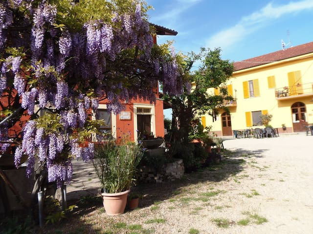 Apartament B&B in Langhe&Monferrato - Castelnuovo Calcea - Bed & Breakfast