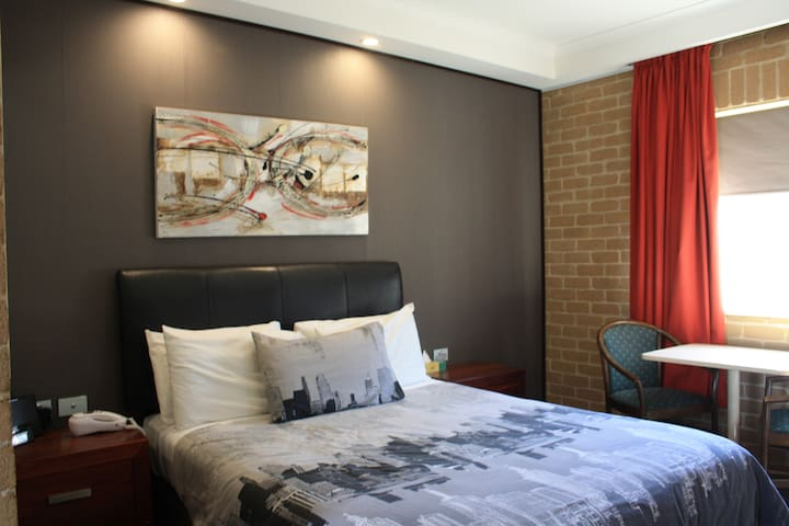 Queen Room Weekly Rate ( minimum 7 nights)