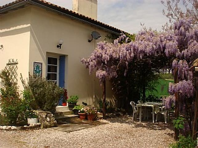 Luxury Cottage, heated pool & WIFI - Saint-Aubin-de-Cadelech