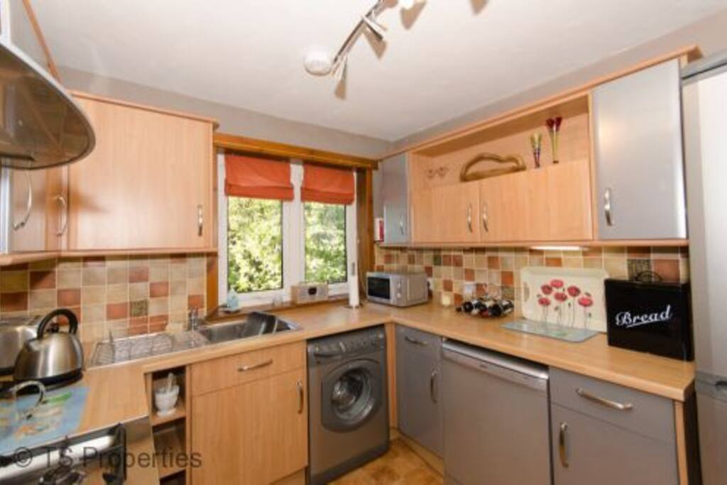 Workable well equipped kitchen