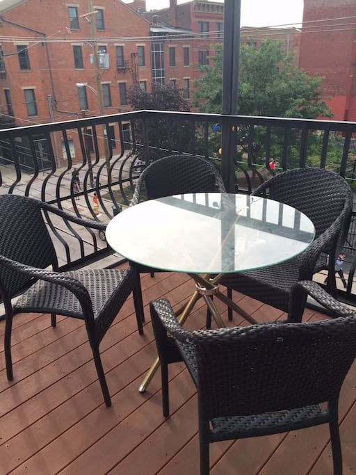 outdoor dining table overlooking OTR