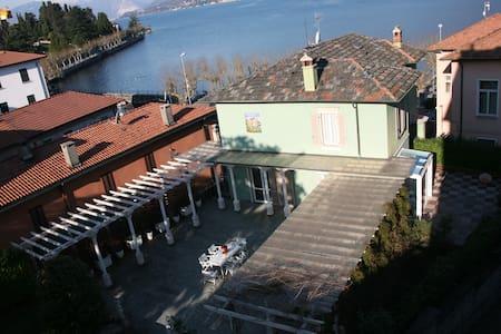 Beautiful villa lake Maggiore - Porto Valtravaglia