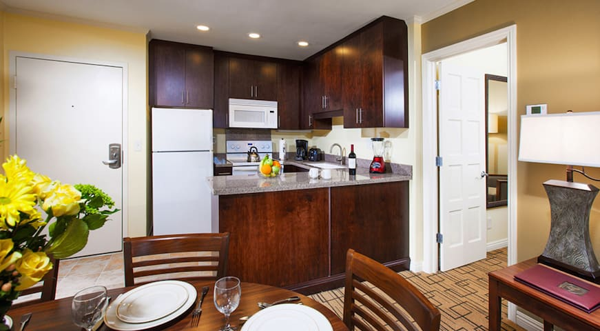1Bdrm at Resort in Solana Beach! Pool and more! - Solana Beach - Apto. en complejo residencial