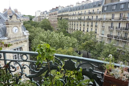 Single bedroom in Haussmanien flat
