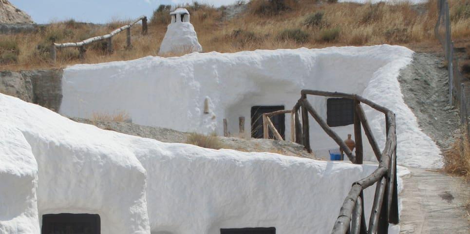 Casa-cueva con encanto - Baza