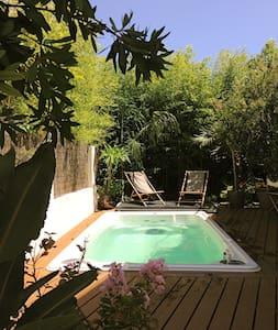Villa exotique vue mer, spa de nage chauffé! - La Ciotat