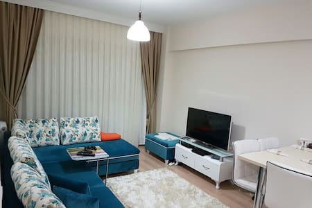Complex Apartment (Close to SAW Airport) - Pendik