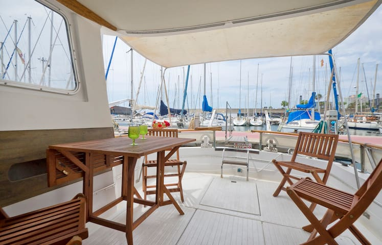 Boat   apartment in Barcelona   Barcelona   Boat. Top 20 Barcelona Boat  Yacht and Houseboat Rentals   Airbnb