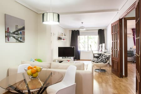 Three bedrooms flat for 5 + WIFI - Valencia - Apartment