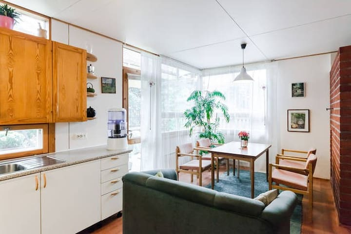 House + garden near Helsinki Vantaa - Vantaa - Casa