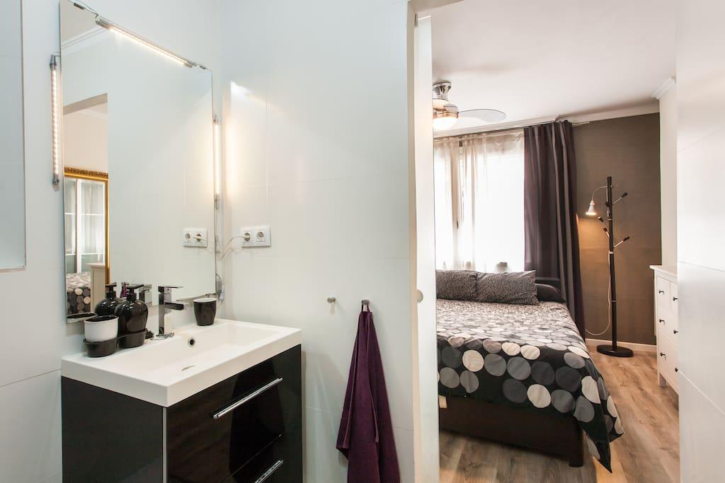 Piso 3 habitaciones para 5 wifi departamentos en for Piso 5 habitaciones valencia