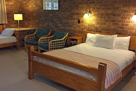 Coonawarra Units - Coonawarra - Bed & Breakfast