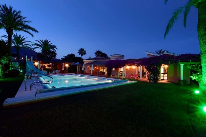 Luxe Villa in Benalmadena met verwarmd zwembad - Benalmádena - Villa