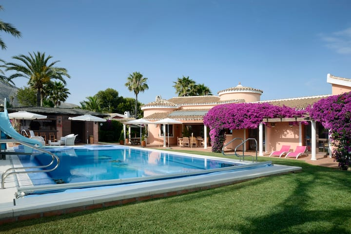 Luxury Villa in Benalmadena, privacy & heated pool