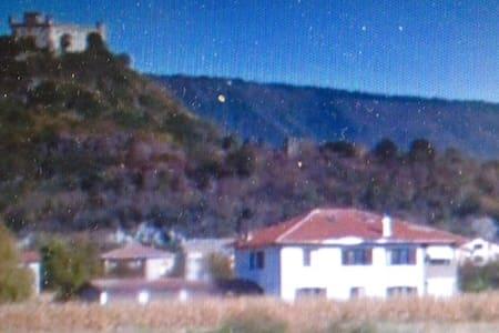 camere in villa di campagna - Montalto Dora
