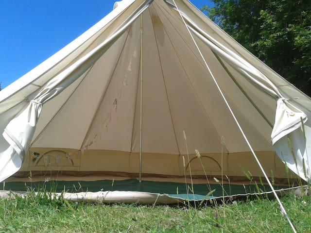 The Valley Campsite Basic Bell Tent - Llanteg - テント