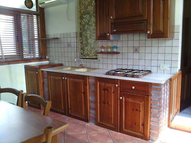 Accogliente casa vacanze - Castiglione di Sicilia - House