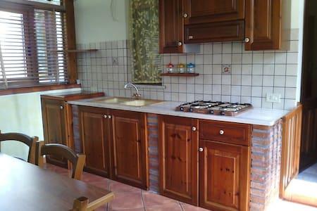 Accogliente casa vacanze - Castiglione di Sicilia