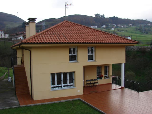 Casa en picos de europa II - La Robellada - Apartment