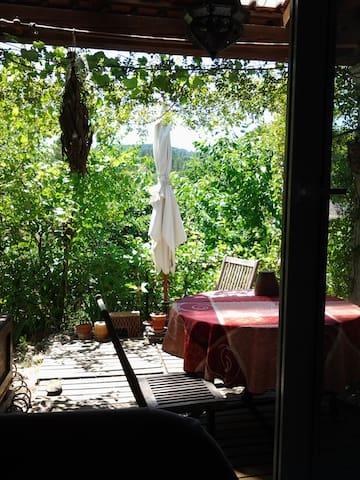 petite maison au coeur de l'esterel - Montauroux - Casa