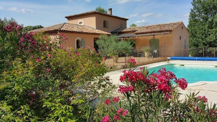 Les Lauriers Roses à Cotignac Var Provence