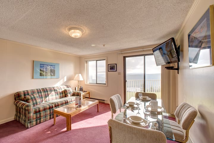 Mountain Lodge Unit 156  Slopeside with Lakeview