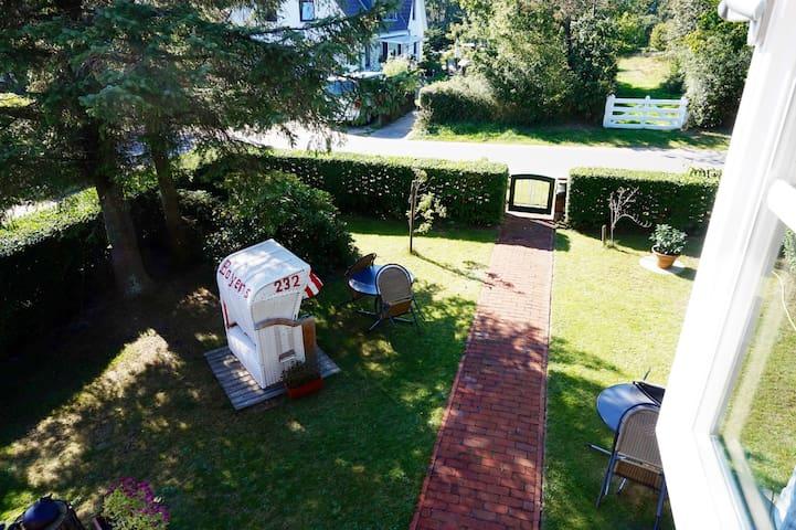Ferienwohnung mit Strandkorb und Gartenmöbeln - Nebel - Appartement