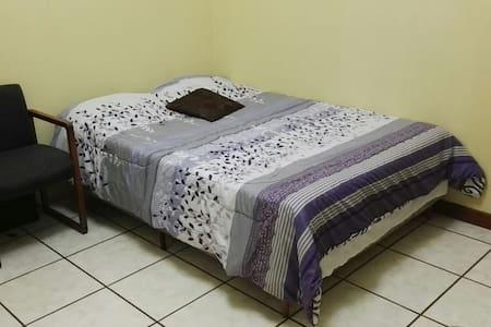 Residential area 30min to antigua! - Guatemala, Guatemala, GT - Hus