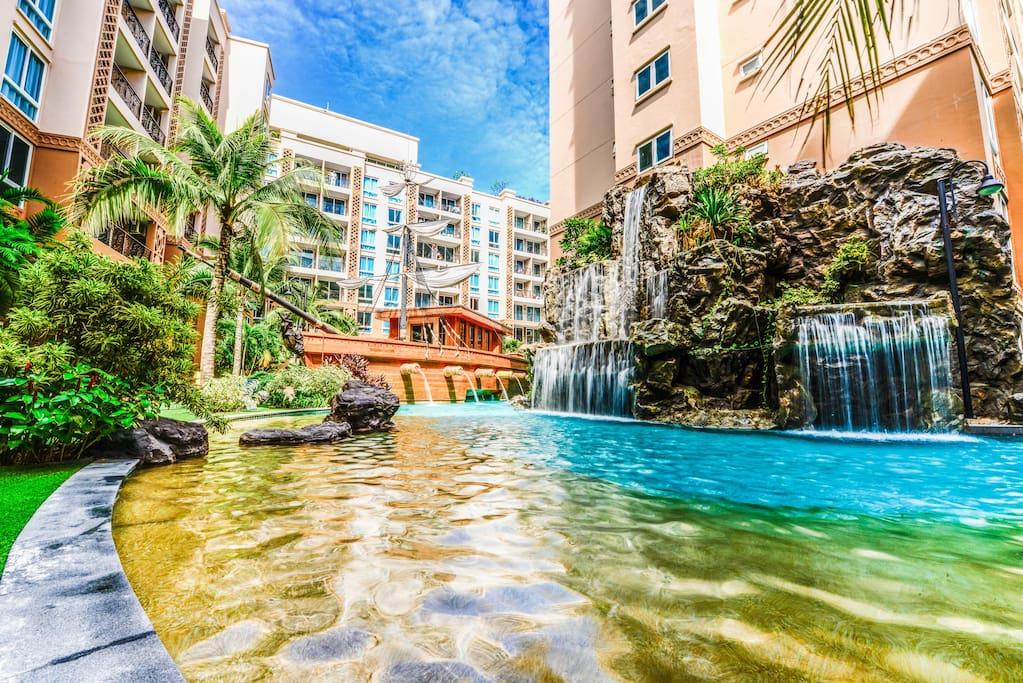 Atlantis condo resort pattaya 1 apartments for rent in for Atlantis condo