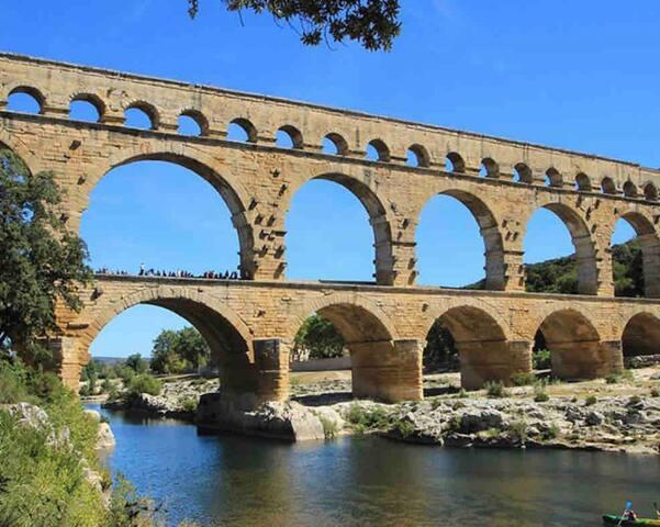 Maison ds le Gard entre Nîmes,Uzes rivière proche