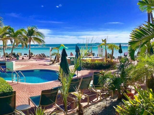 Key West Paradise- sleeps 6