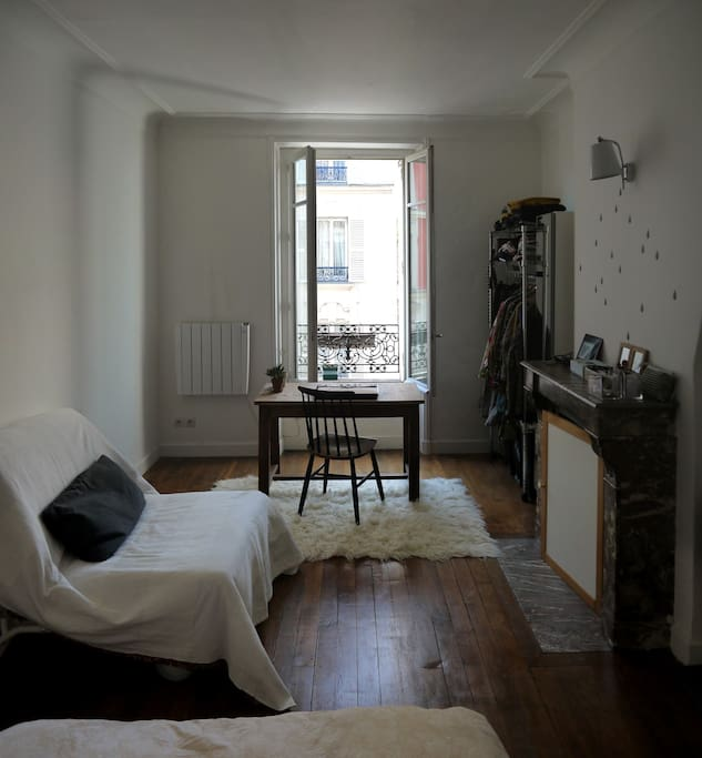 pRIVATE ROOM W.DOUBLE BED + SINGLE BED