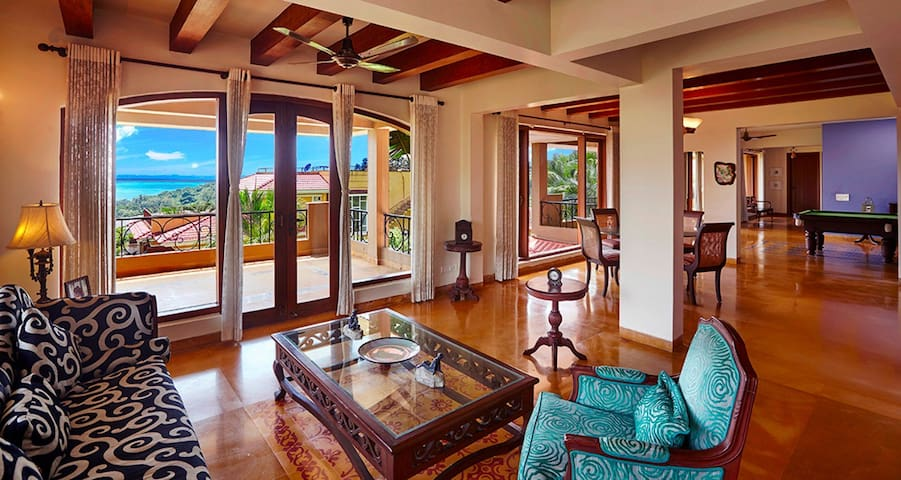 Banyan Villa: Luxury 6 Bedroom Home