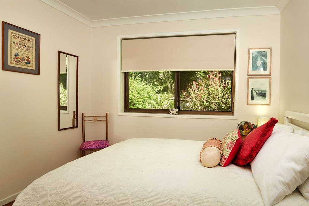 This is the second guest room, ideal for a child (over 12 years of age) or an adult female. Double bed
