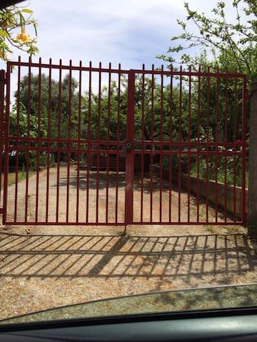 Casa con giardino a 1 km dal mare - Palmi - House