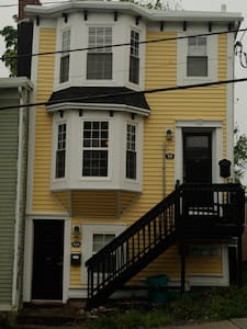 Private 1BR apt, Downtown St. Johns