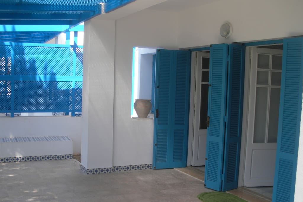 L 39 appart 39 gammarth appartements louer gammarth for Meuble 5 etoile tunisie