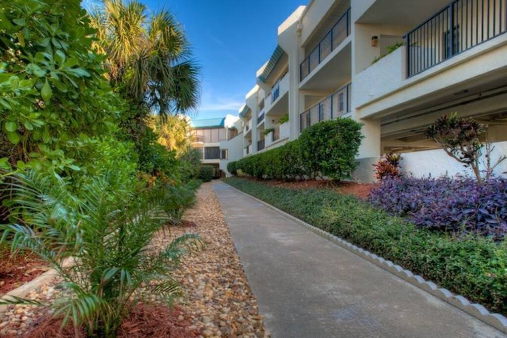It's well-maintained + manicured with lush greens + a lovely path to the beach