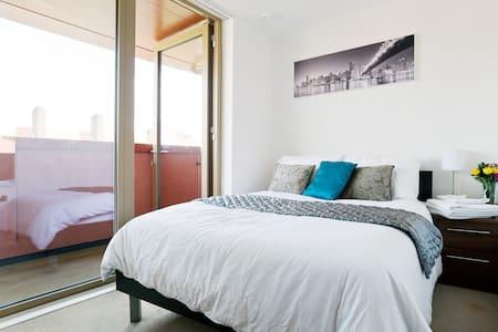 Top floor, double room, WC, balcony