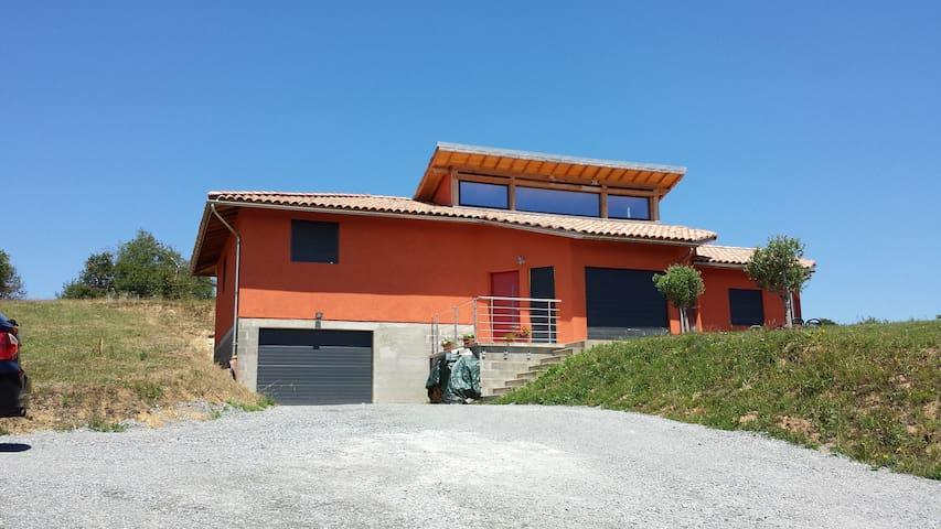 Maison sur chemin st Jacques GR65 - Livinhac-le-Haut