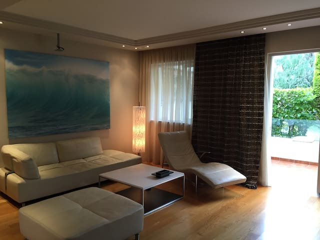 Luxury house close to the beach - Alimos - Hus