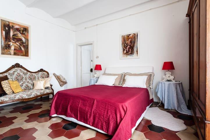 Camera da letto padronale ...num. 1