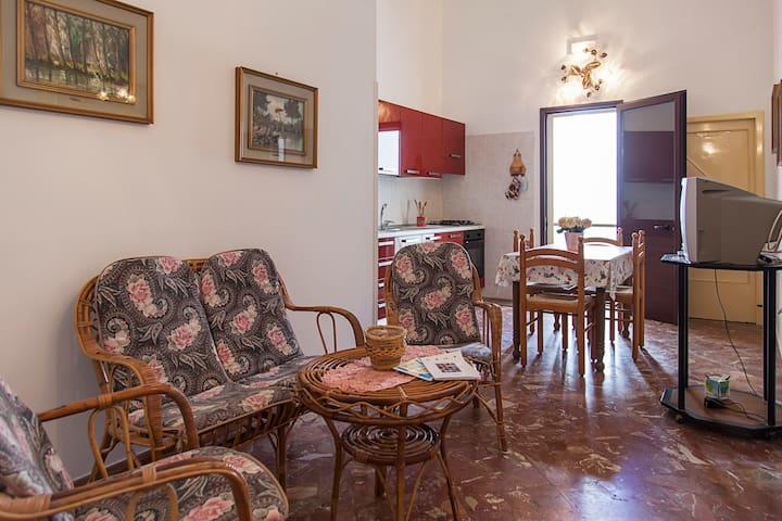Ampia casa 10 min da Porto Cesareo - Veglie - Wohnung