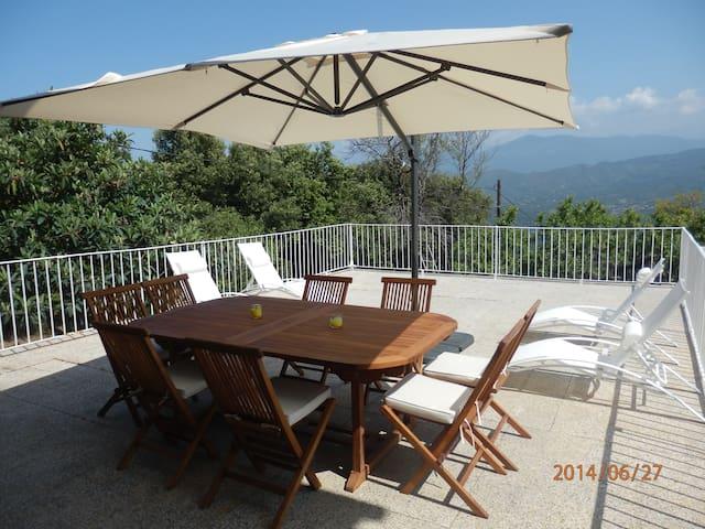 Séjour au calme dans une maison de famille - Calcatoggio - Huis