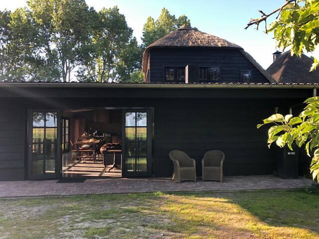 Luxueus barnhouse met verwarmd zwembad!