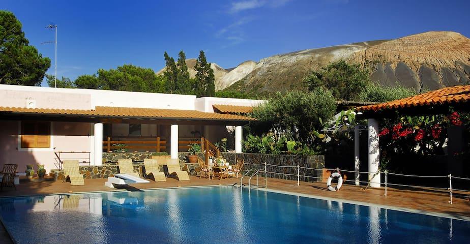 Magnifico b&b con piscina Bis - Vulcano Porto - Wikt i opierunek