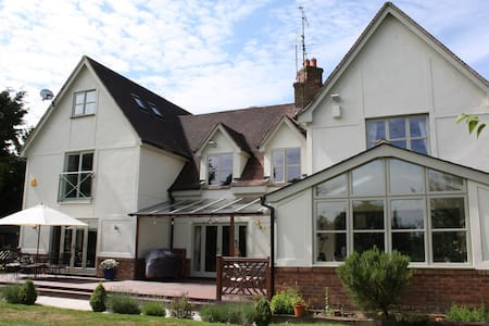 Luxury room  FREE Stansted transfer - Barnston