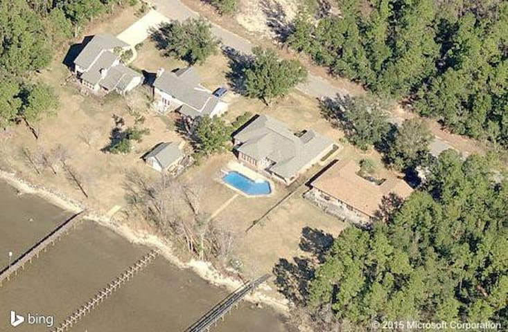 Waterfront, Pool, Pier, & Peace - Pensacola - Casa