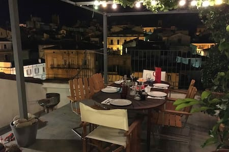 Spacious apt w roof terrace in historical Lanciano
